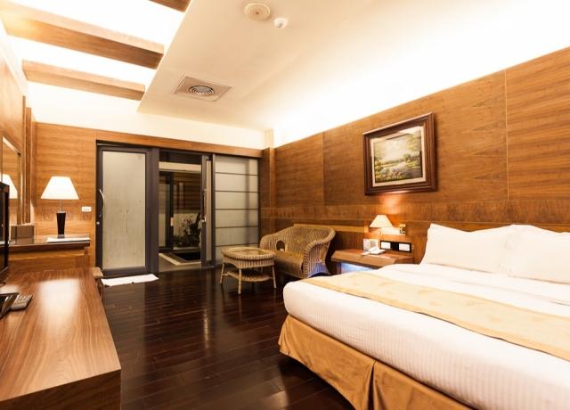Zen Honeymoon Hot Spring Room